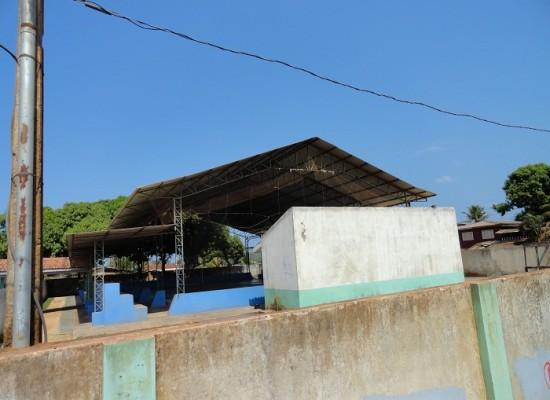 Pais de alunos reclamam do horário das aulas de educação física na escola Tancredo Neves