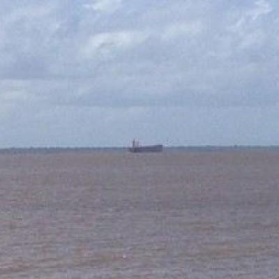 Navio da Guiné segue viagem para Santarém; Anvisa inspeciona