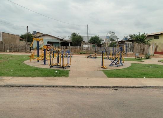 Praça do Pires de Lima equipamentos de academia pararam de funcionar, usuários reclamam
