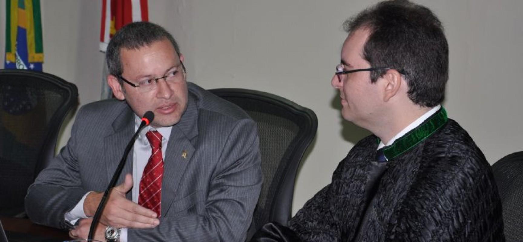 CPJ empossa novo promotor de justiça