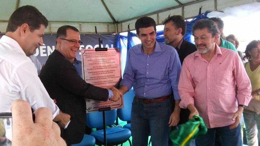 Ministro Especial da Previdência Social Carlos Eduardo Gabas,Ministro dos Portos Helder Barbalho (PMDB) e Senador Paulo Rocha (PT).