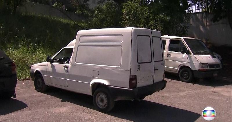 Crianças são encontradas mortas em porta-malas de carro