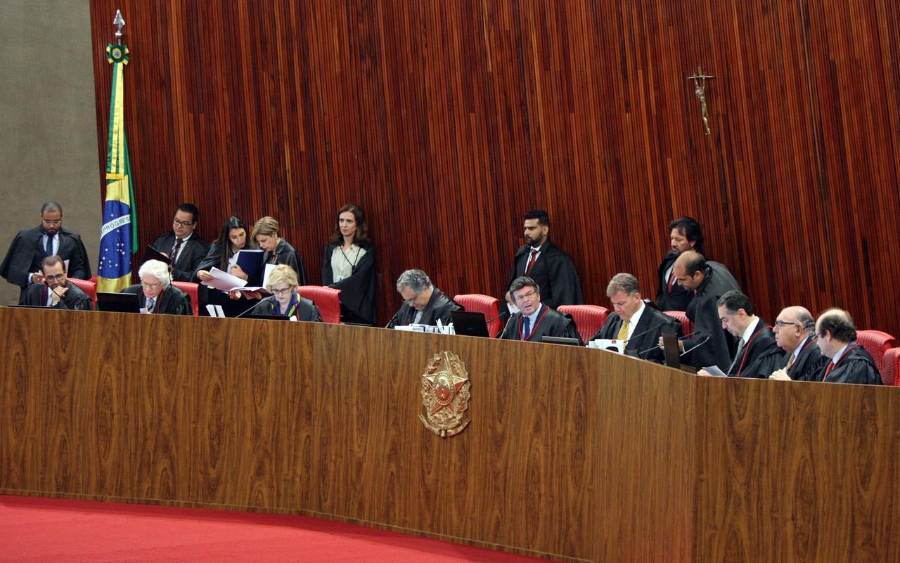 TSE determina que PT, DEM, PTdoB e PCO devolvam R$ 2,5 milhões