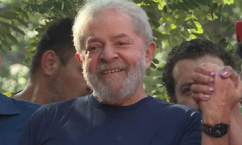 PF estuda tirar Lula de sua sede em Curitiba