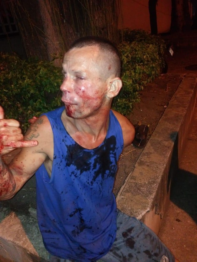 Bandido após a ação da lutadora (Foto:Arquivo Pessoal)