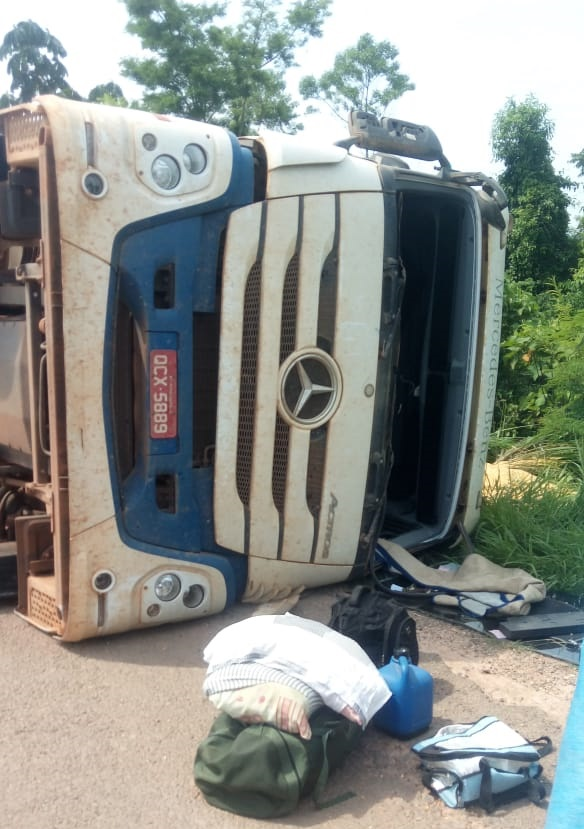 Motorista saiu ileso (Foto:JORNAL FOLHA DO PROGRESSO)