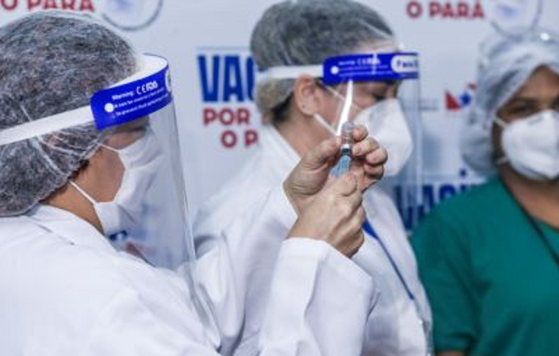 As doses das vacinas CoronaVac/SinoVac e Oxford/AstraZeneca chegarão a Santarém, de onde serão distribuídas a outros municípios