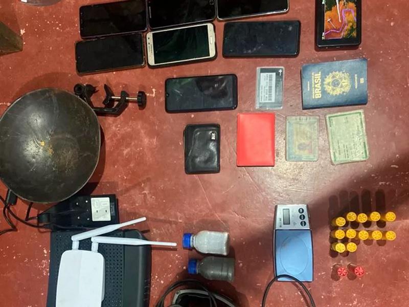 Material apreendido pelo Exército no dia 11 — Foto: Divulgação/Exército Brasileiro