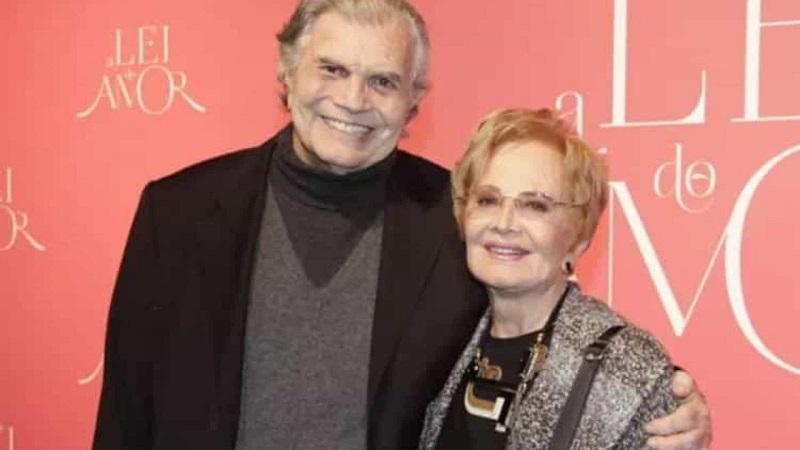 A assessoria do casal confirmou ao F5 neste sábado (7) que o casal foi hospitalizado em São Paulo